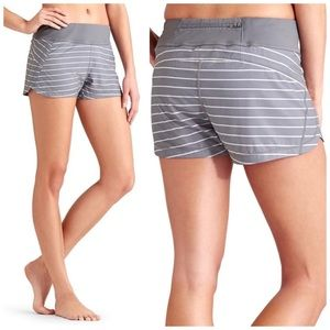 ATHLETA GREY SILVER COBBLESTONE STRIPED SHORTS XS